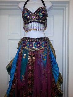 Belly dancing outfit skirts 21 new ideas Belly Dancer Costumes, Belly Dancers, Dance Costumes, Gypsy Costume, Tribal Costume, Dance Outfits, Dance Dresses, Dancing Outfit, Dance Oriental