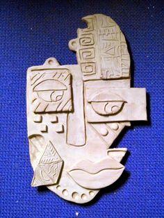 Eaton's Phileonia Artonian: Kimmy Cantrell Inspired Masks. Eaton's Phileonia Artonian: Kimmy Cantrell Inspired Masks. Clay Art Projects, Ceramics Projects, Clay Crafts, Kunst Picasso, Picasso Art, Sculptures Céramiques, Sculpture Clay, Kimmy Cantrell, Ceramic Mask