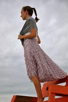 no big dill: Coastal Curtsy Skirt Tutorial = easy skirt with directional fabrics.