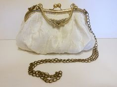 Bridal handbag. www.lolitasala.es Frame bag by LolitaSalá. #VintageBag #LaceBags…