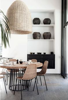 Dining room furniture ideas that are going to be one of the best dining room design sets of the year! Get inspired by these dining room lighting and furniture ideas! Interior Design Furniture, Decor, Dining Room Decor, Trending Decor, Dining Room Lighting, House Interior, Modern Dining Room, Room Design, Dining Room Design Modern