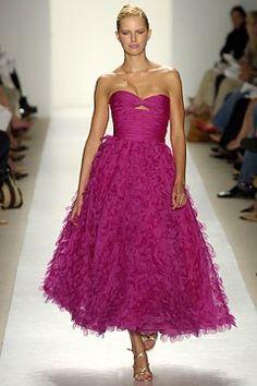 Oscar de la Renta Spring 2004 Ready-to-Wear Fashion Show - Oscar de la Renta, Karolina Kurkova