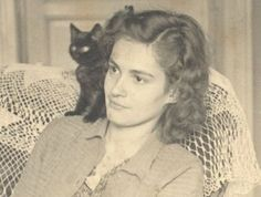 Polcz Alaine Writers And Poets, Cat People, Great Women, Cat Lovers, About Me Blog, Hollywood, Animals, Pretty Kitty, Black Cats