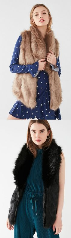 Cute womens outfits with faux fur collared vest black or honey. NNT #affiliate #fauxfur #vest #styleinspiration #fashioninspiration #womenswear #outfitideas #outfits #outfitoftheday