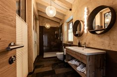 Baumhaus   Urlaub   Badezimmer   Ellmau Flora, Mirror, Bathroom, Furniture, Home Decor, Full Bath, Bathing, Washroom, Decoration Home