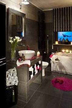 Give your #bathroom a #scintillating #look.