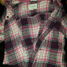 Aeropostale shirt Plaid aero button up long sleeve, light feeling.clean no rips or holes. Aeropostale Tops Button Down Shirts