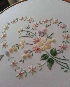 @pinterestfavs #flower #heart #ricamo #broderie #bordado #embroidery