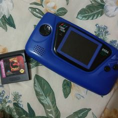 ramon1815gonzalez: Sweet found at a #garagesale just .50 a #sega #gamegear with game #mortalkombat #gamegear #microobbit