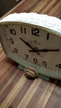 Revamped desk clock - burlap, gold, lace, and hot glue! Dorm Canvas Art, Desk Clock, Gold Lace, Diy Decorating, Burlap, Hot, Home Decor, Homemade Home Decor, Hessian Fabric