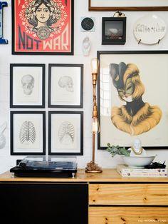08-decoracao-casa-parede-quadros-luminaria-casa-jupiter-woodwork