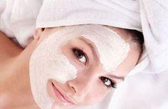 Perché acquistare costose creme antirughe quando puoi preparare in casa le tue ricette di bellezza preferite. Prova le nostre maschere naturali contro le rughe.
