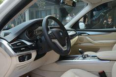 BMW X5 hoàn toàn mới còn được tích hợp những tính năng tiên tiến trong chuỗi công nghệ EfficientDynamics như: Hệ thống phanh tái sinh năng lượng, chức năng Auto Start/Stop, http://oto-xemay.vn http://oto-xemay.vn/can-ban-xe-oto.html http://oto-xemay.vn/can-mua-xe-oto.html