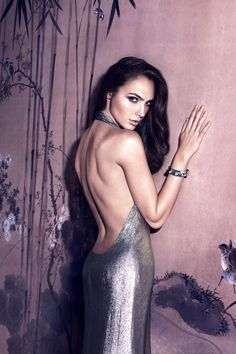 Hollywood hottie actress Gal Gadot beauty movie photos lovely style gorgeous wallpapers stunning looks wonder-woman images pics hd Beautiful Celebrities, Most Beautiful Women, Beautiful Actresses, Rich Girls, Gal Gadot Photos, Gal Gardot, Gal Gadot Wonder Woman, Wonder Women, Supermodels