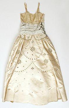 Silk dress by Norman Hartnell, 1950~Image © The Metropolitan Museum of Art