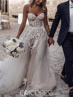 Sweetheart Appliques Country Wedding Dress 2019 Fashion girls, party dresses long dress for short Women, casual summer outfit ideas, party dresses Fashion Trends, Latest Fashion # Outdoor Wedding Dress, Country Wedding Dresses, Tulle Wedding, Stunning Wedding Dresses, Dream Wedding Dresses, Boho Wedding, Bridal Dresses, Bridesmaid Dresses, Wedding Summer