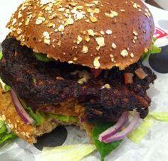 Hamburguesa vegana de frijol negro