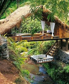 Located in the forest, close to Ubud, Bali-Indonesia, is the breathtaking Panchoran Retreat. It is inspired by nature, creating environments it is difficult to distinguish the interior from exterior. Only recycled or sustainable materials were used to create this haven.