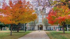 Peak fall colors at Augustana University