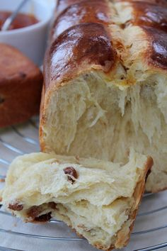 Brioche with Raisins Cooking Chef, Cooking Recipes, Bread Bun, Bread And Pastries, Sweet Bread, Bread Baking, Baked Goods, Sweet Recipes, Sweet Tooth