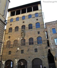 Firenze, Piazza dei Davanzati, Palazzo Davanzati - erected in the second half of the 14th century