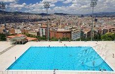 la piscina moderna en Barcelona