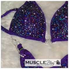 Wellness Suit eith connectors. V cut ftont, scrunch butt bottoms. Bling satiration is Heavy Bikini Competition Prep, Figure Suits, Npc Bikini, V Cuts, Bodybuilding, Bling, Wellness, Bikinis, Fashion