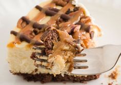 If you like sweet and sticky desserts, this chocolate carmel cheesecake recipe is ideal. The chocolate crust is topped with an orange and lemon flavored creamy layer, and then the topping is caramel and chocolate with a few pecans for crunch. This is an amazing looking cheesecake, although in truth the chocolate and caramel crisscross pattern is such an easy effect to create.