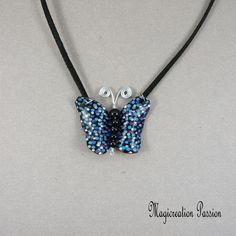 """Collier pendentif papillon vinyle bleu et noir """"chloé"""" - Un grand marché Pendant Necklace, Jewelry, Fashion, Necklace Ideas, Black Backgrounds, Blue Butterfly, Cords, Unique Jewelry, Moda"""