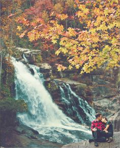 insane fall colors engagement pics (w scott chester) i want to take photos in Clifty park around the falls and in the creeks etc
