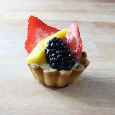 mini fresh fruit tart, for sampling purposes :)