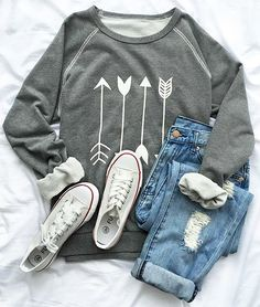 Cupshe Say Yes to the Arrow sweatshirt LOVE the entire outfit comfy and cute 😍 Mode Outfits, Casual Outfits, Fashion Outfits, Fasion, Converse Outfits, Fashionable Outfits, Converse Shoes, Casual Wear, Womens Fashion