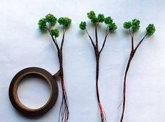 Estos son los pasos básicos que debéis seguir para elaborar un bonsái artificial con cuentas e hilo de alambre.