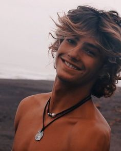 cute boys This is Marcus Hetlon. He is 18 and loves to surf. He models and is a famous singer. Hes quite a flirt and tends to lead people on too much (Secret is insecure/bisexual) Surfs Up, Beautiful Boys, Pretty Boys, Blonde Jungs, Hot Surfers, Surf Boy, Surf Girls, Surfer Dude, Surfer Hair