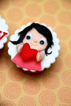 Say it with cupcakes. Such a cute idea!