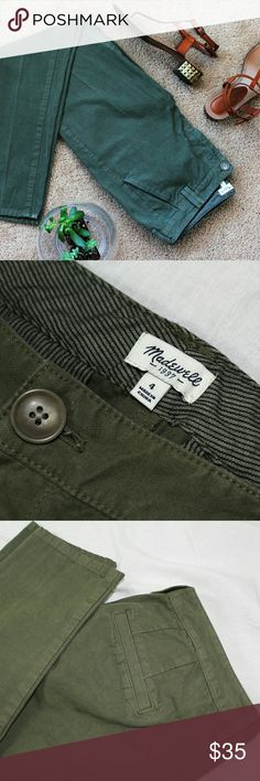 """NWOT Madewell Straight Leg Chino Easy, versatile straight leg chino trouser from Madewell in NWOT condition. Wear them in your size for a classic fit, or wear them a size up to give you a slouchy, cool girl vibe. They sit right above the hips and feature a 9.5"""" rise, 30"""" inseam, and 6"""" leg opening. The true color is closest to Pics 3,4, and 5. These are the perfect trouser for transitioning between seasons. 100% Cotton  Please let me know if you have questions or need more pictures. I will…"""
