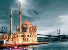 Günaydın Güzel İstanbul!!! 2018in ilk cuması hayırlı olsun!!! Sevgi huzur ve barış dolu bir yıl olsun!!!  #2018 #dua #prayer #istanbul #hayırlıcumalar #clouds #seagulls #ortaköycami #bosphorus #martılar #boğaz #turkey
