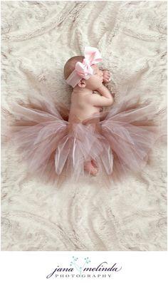 precious little one.  love the tutu.