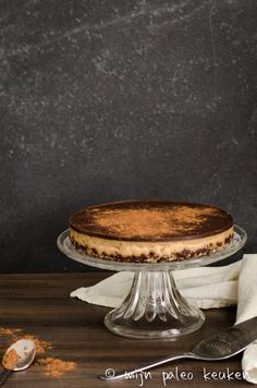 Love, FitFood | Snickers cheesecake (paleo) | http://www.lovefitfood.nl