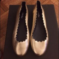 New Vaneli Scalloped Ballet Flats size 8.5 Brand new ballet flats size 8.5. Gold with scalloping and round toe. Vaneli Shoes