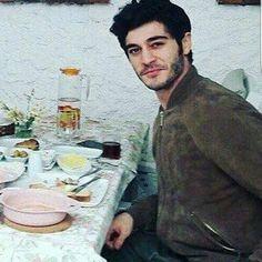 Murat And Hayat Pics, S Love Images, Feroz Khan, Turkish Beauty, Turkish Actors, Actors & Actresses, Maine, Celebs, Instagram Posts