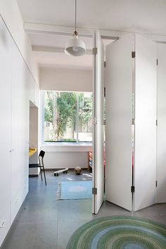 Sliding Room Dividers, Room Divider Doors, Hanging Room Dividers, Sliding Wall, Home Gym Design, Home Interior Design, House Design, Murs Mobiles, Space Saving Doors
