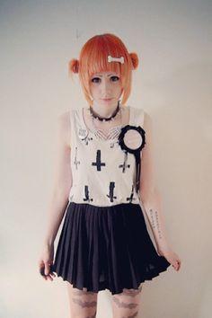 i really want orange hair is that weird Pastel Goth Fashion, Dark Fashion, Kawaii Fashion, Gothic Fashion, Harajuku Mode, Harajuku Fashion, Fashion Outfits, Harajuku Style, Alternative Mode