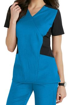 Capture the fun and exciting essence of nursing by shopping for WonderWink scrubs from Scrubs & Beyond! Our high-quality uniforms deliver ultimate comfort. Healthcare Uniforms, Medical Uniforms, Scrubs Outfit, Scrubs Uniform, Dental Scrubs, Medical Scrubs, Beauty Uniforms, Womens Scrubs, Scrub Tops
