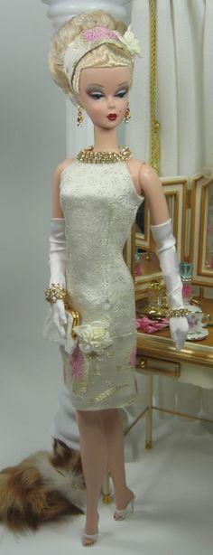 .silkstone Barbie in cream dress