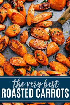 roasted carrots make the perfect side dish to just about any meal. Roasting at a high temperature brings out their natural sweetness and gives them the perfect caramelized edges and tender-crisp texture. Both a sweet and a savory recipe included. Veggie Side Dishes, Side Dish Recipes, Food Dishes, Health Side Dishes, Recipes Dinner, Side Dishes Easy, Christmas Vegetable Side Dishes, Roast Dinner Side Dishes, Carrot Dishes