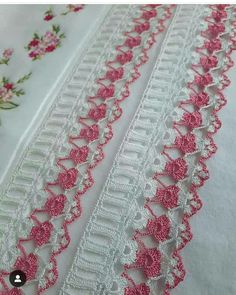 Diy Table Runner With Border Crochet Borders, Crochet Stitches Patterns, Crochet Lace, Stitch Patterns, Knitting Patterns, Mehndi Design Photos, Mehndi Designs, Burlap Table Runners, Baby Halloween Costumes