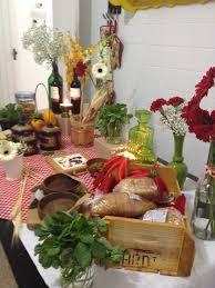 decoração centro mesa italiana - Pesquisa Google Italian Theme, Italian Party, Brunch, Table Decorations, Dinner, Pizza, Home Decor, Italian Dinners, Desk Arrangements