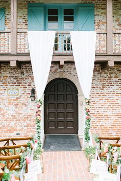 Ceremony Backdrop Inspiration // Romantic Pink, Coral & Gold Florida Wedding via TheELD.com