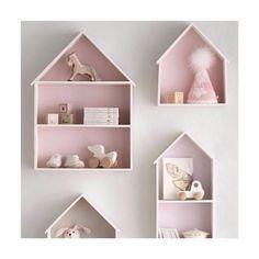 Fofos esses nichos de casinha para o quarto das pequenas! Decoram e ainda dá para guardar coisinhas. Eles são da @coisasdadoris